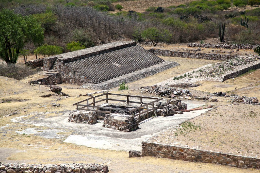 The beautiful Dainzu ball court has only been partially escavated and restored. The classic I shape is clearly visible from many parts of the city. It has and east west orientation, again a classic Mesoamerican attribute.