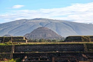 """Teotihuacan is an enormous archaeological site in the Basin of Mexico, containing some of the largest pyramidal structures built in the pre-Columbian Americas. Apart from the pyramidal structures, the archaeological site of Teotihuacan is also known for its large residential complexes, the so-called """"street of the dead"""", and its colorful well-preserved murals"""